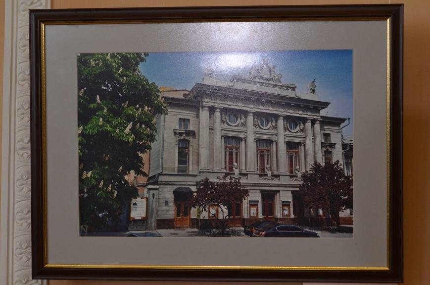 В Симферополе открылась фотовыставка, посвященная Дню города (ФОТО), фото-3