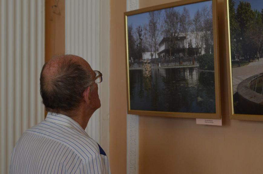 В Симферополе открылась фотовыставка, посвященная Дню города (ФОТО), фото-11