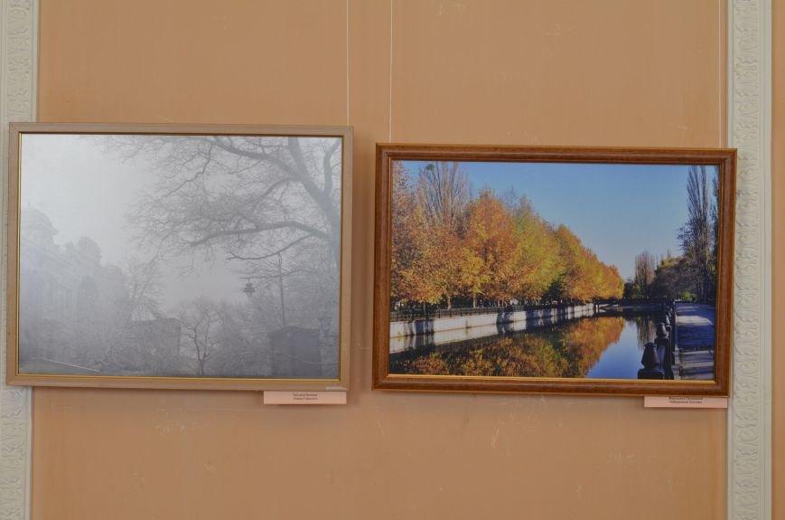 В Симферополе открылась фотовыставка, посвященная Дню города (ФОТО), фото-7