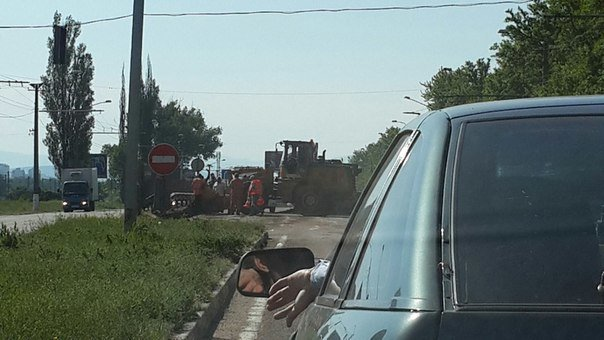 Под Симферополем опрокинулся груженый КамАЗ (ФОТО, ВИДЕО), фото-3