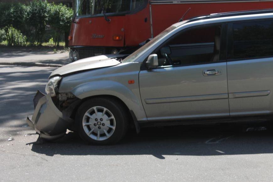 В Кривом Роге внедорожник врезался в автобус. Есть пострадавшие  (ФОТО), фото-18