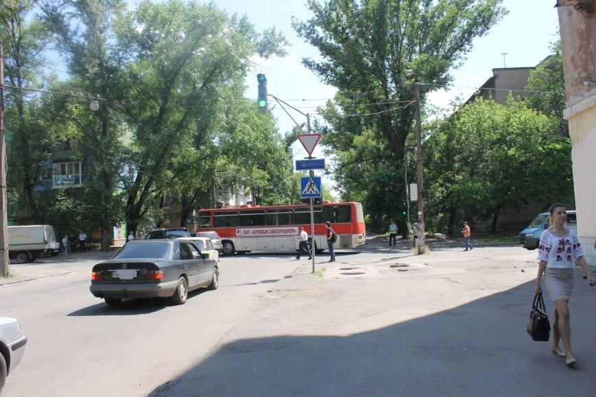 В Кривом Роге внедорожник врезался в автобус. Есть пострадавшие  (ФОТО), фото-12