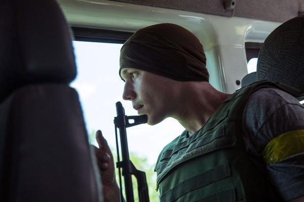 В Марьинке по чердакам и подвалам отлавливают «заблудившихся» боевиков «ДНР» (ФОТО), фото-3