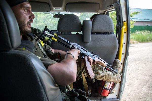 В Марьинке по чердакам и подвалам отлавливают «заблудившихся» боевиков «ДНР» (ФОТО), фото-2