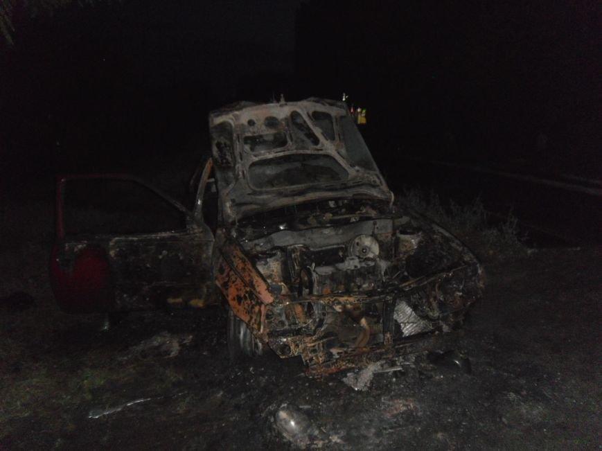В Днепродзержинске сгорел «Opel Kadett», фото-3