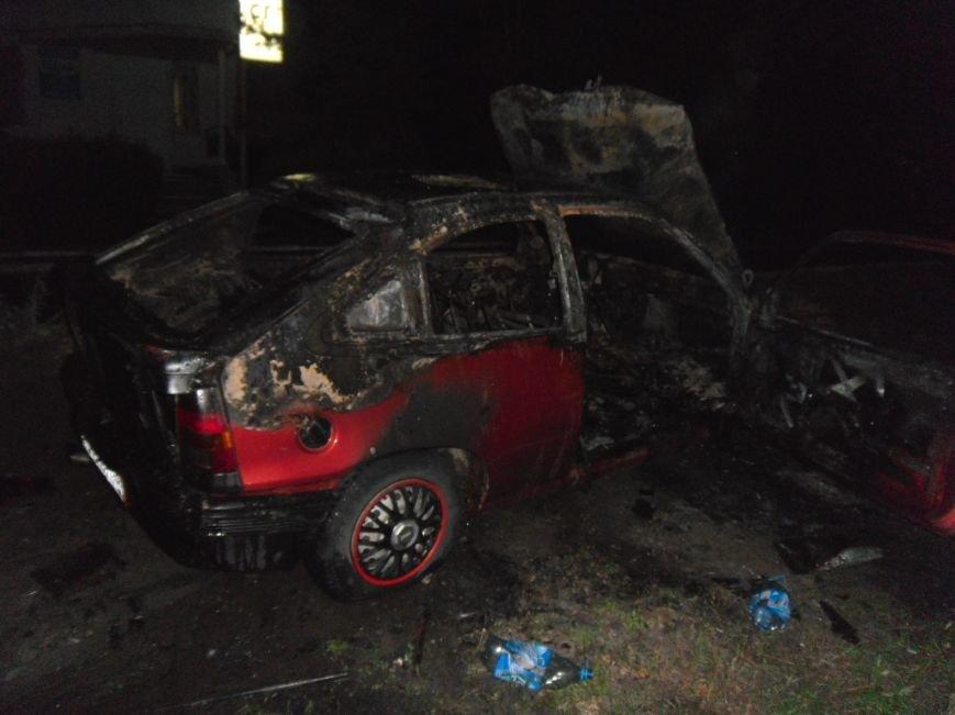 В Днепродзержинске сгорел «Opel Kadett», фото-2