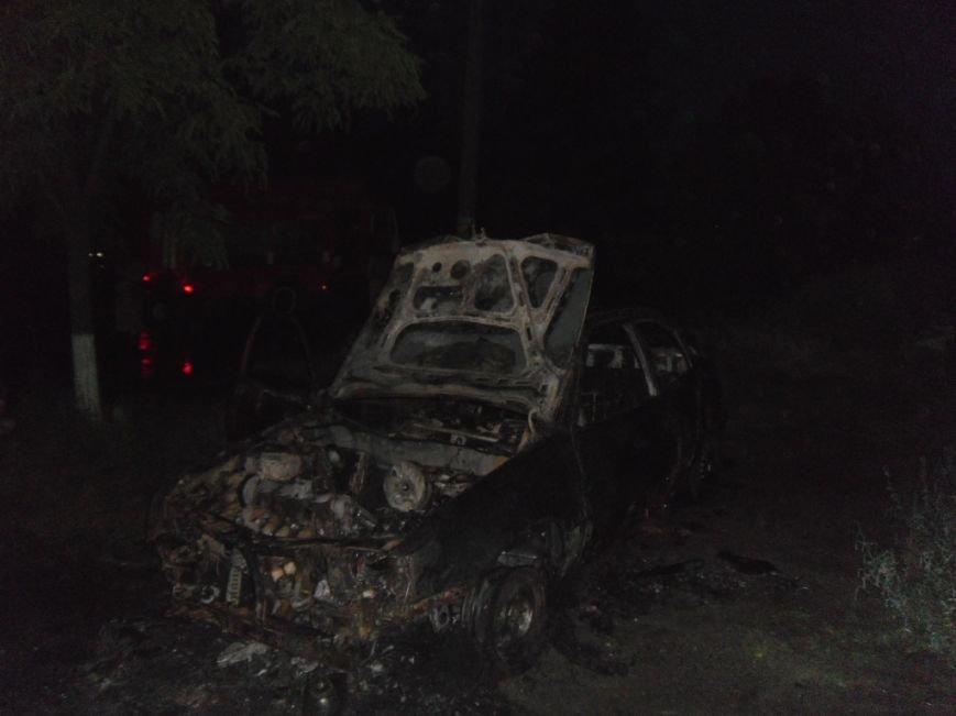 В Днепродзержинске сгорел «Opel Kadett», фото-4