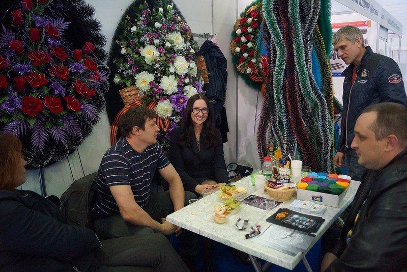 В Крыму откроется выставка гробов, надгробий, венков и одежды для усопших (ФОТО) (фото) - фото 1