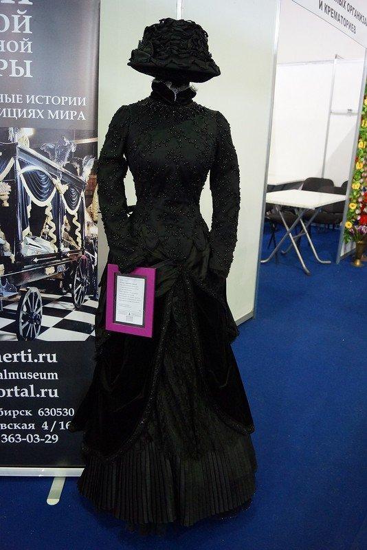 В Крыму откроется выставка гробов, надгробий, венков и одежды для усопших (ФОТО) (фото) - фото 3