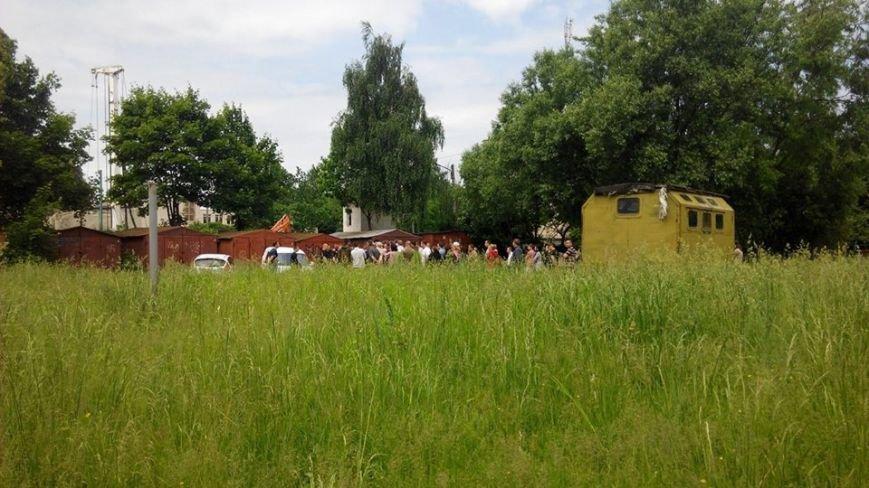 На вул. Панча протест: люди виступають проти забудови на дитячому майданчика (ФОТО), фото-6