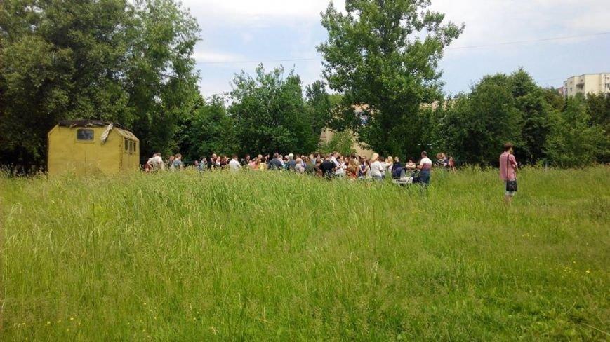 На вул. Панча протест: люди виступають проти забудови на дитячому майданчика (ФОТО), фото-3