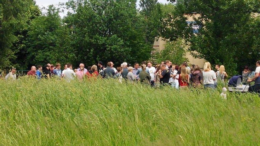 На вул. Панча протест: люди виступають проти забудови на дитячому майданчика (ФОТО), фото-7