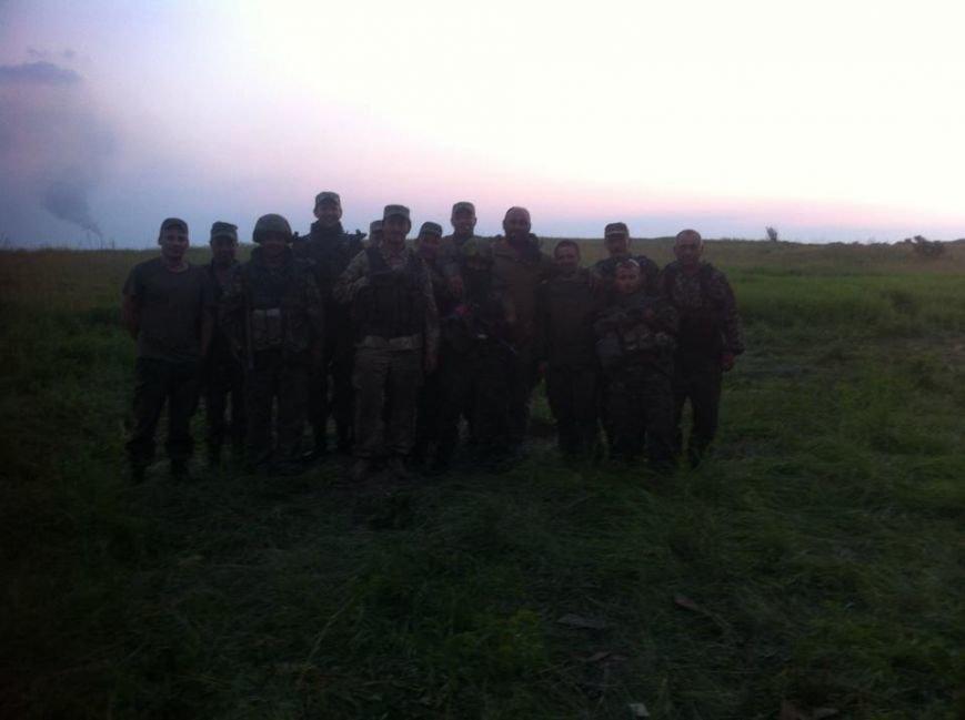 Наши герои: 28 мехбригада опубликовала фото артиллеристов, которые отстояли Марьинку (ФОТО) (фото) - фото 1