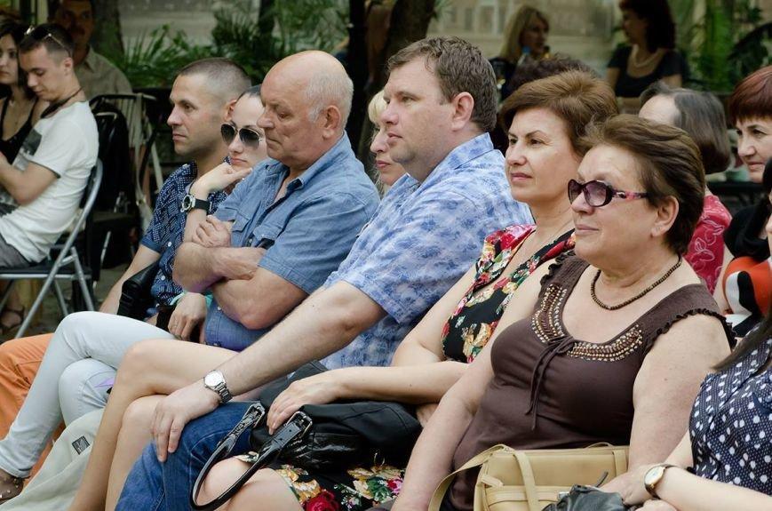 Николаевская филармония дает концерты под открытым небом (фото) - фото 10