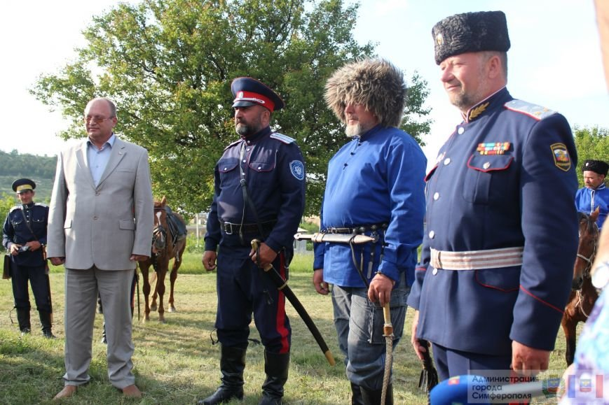 В Симферополь на конях прибыли казаки Юга России (ФОТО) (фото) - фото 8