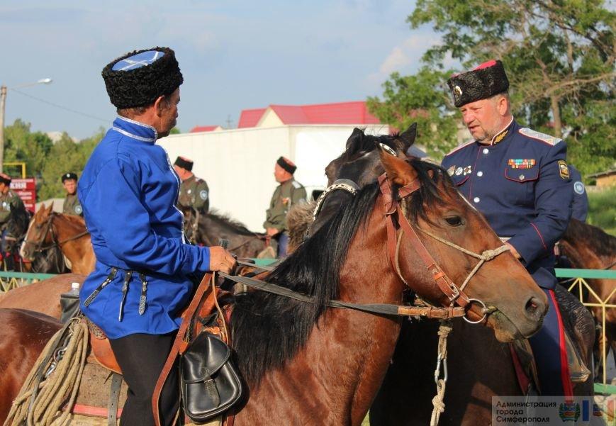 В Симферополь на конях прибыли казаки Юга России (ФОТО) (фото) - фото 3