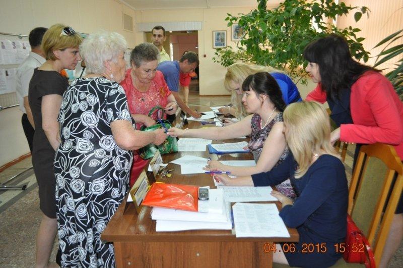 Состоялось предварительное внутрипартийное голосование  за кандидатов в депутаты в Совет МО Лабинский район (фото) - фото 1