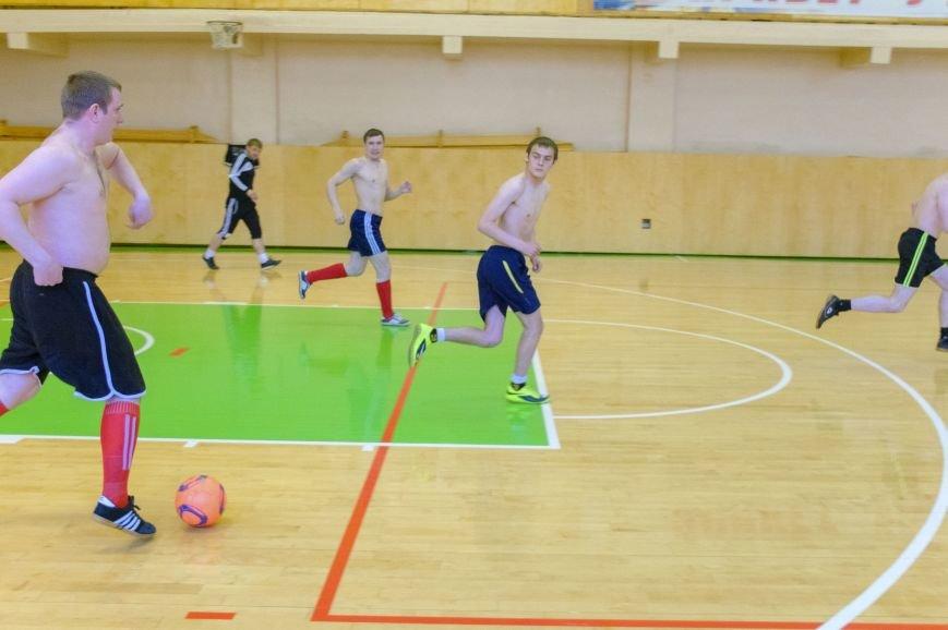 В мини-футболе пять победителей (фото) - фото 1