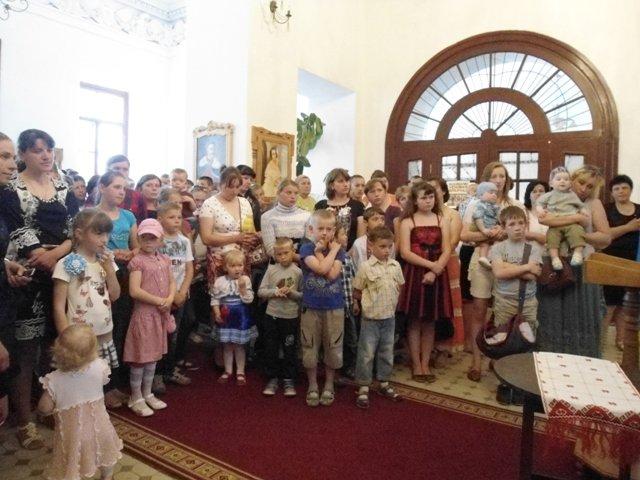 На Рівненщині для дітей-сиріт та дітей учасників АТО організували свято (фото) - фото 1
