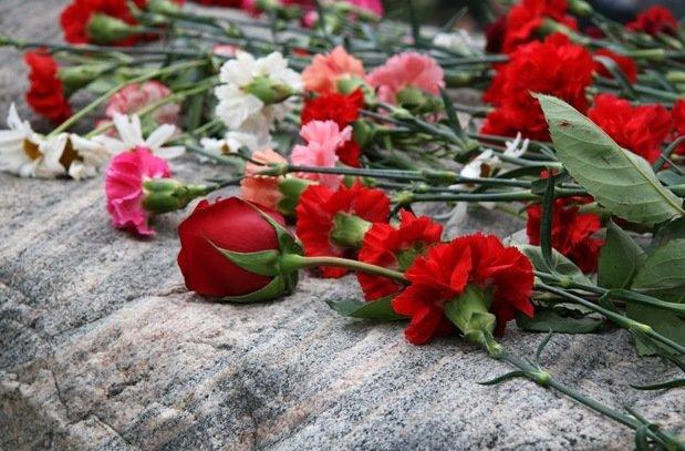 На Рівненщині встановили меморіальну дошку бійцю ДУК (фото) - фото 1