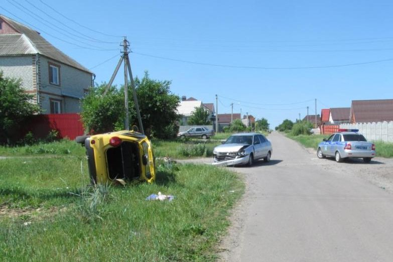 В Старом Осколе в ДТП погиб пенсионер, а в Белгороде в аварии пострадала 6-летняя девочка (фото) - фото 1