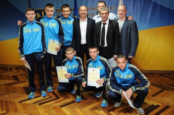 В Минестерстве молодежи и спорта наградили юнного чемпиона Европы по боксу из  Красноармейска (фото) - фото 2