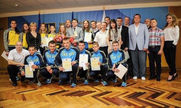 В Минестерстве молодежи и спорта наградили юнного чемпиона Европы по боксу из  Красноармейска (фото) - фото 4