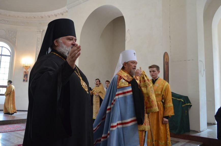Аксенов приложился к святыне, прибывшей из  Санкт-Петербурга (ФОТО), фото-6