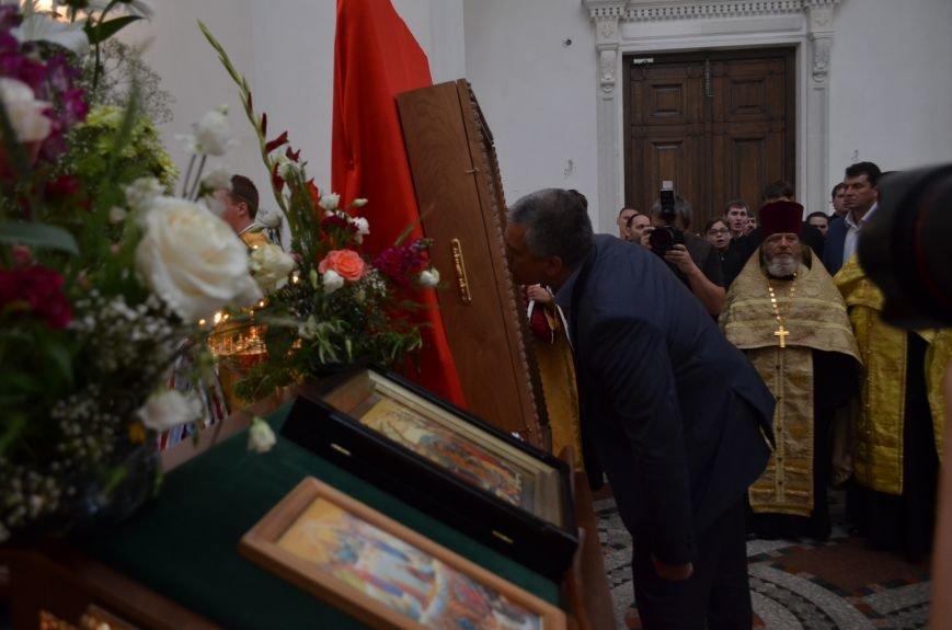Аксенов приложился к святыне, прибывшей из  Санкт-Петербурга (ФОТО), фото-12