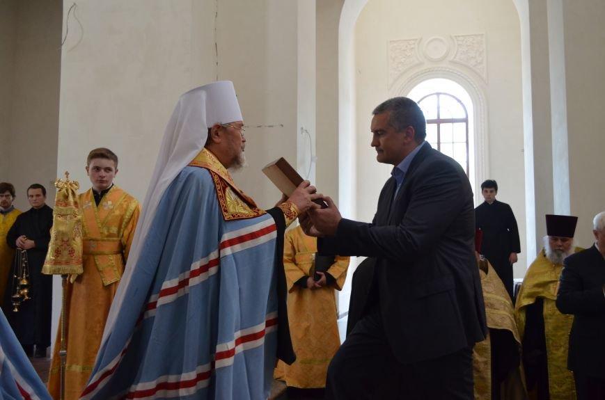 Аксенов приложился к святыне, прибывшей из  Санкт-Петербурга (ФОТО), фото-7