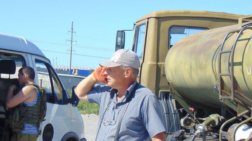Батальон «Днепр -1» и «Мариупольская Дружина» опасно пересеклись на продаже бензина (ФОТОРЕПОРТАЖ) (фото) - фото 7