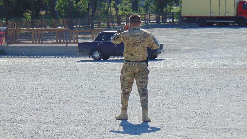 Батальон «Днепр -1» и «Мариупольская Дружина» опасно пересеклись на продаже бензина (ФОТОРЕПОРТАЖ) (фото) - фото 11