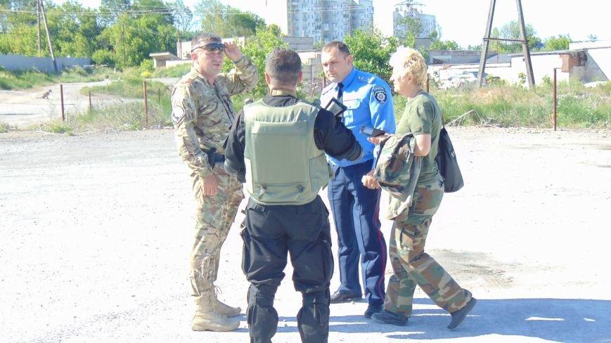 Батальон «Днепр -1» и «Мариупольская Дружина» опасно пересеклись на продаже бензина (ФОТОРЕПОРТАЖ) (фото) - фото 10