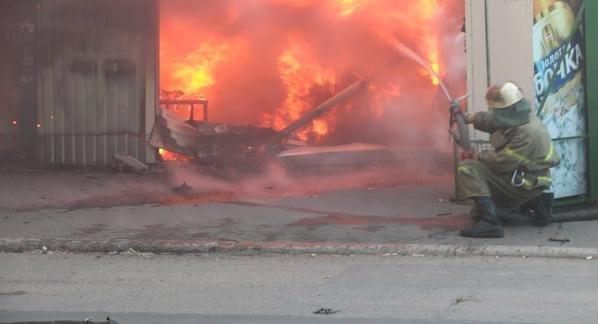 В Донецке обстрелян рынок. Есть пострадавшие (ФОТО, ВИДЕО), фото-1