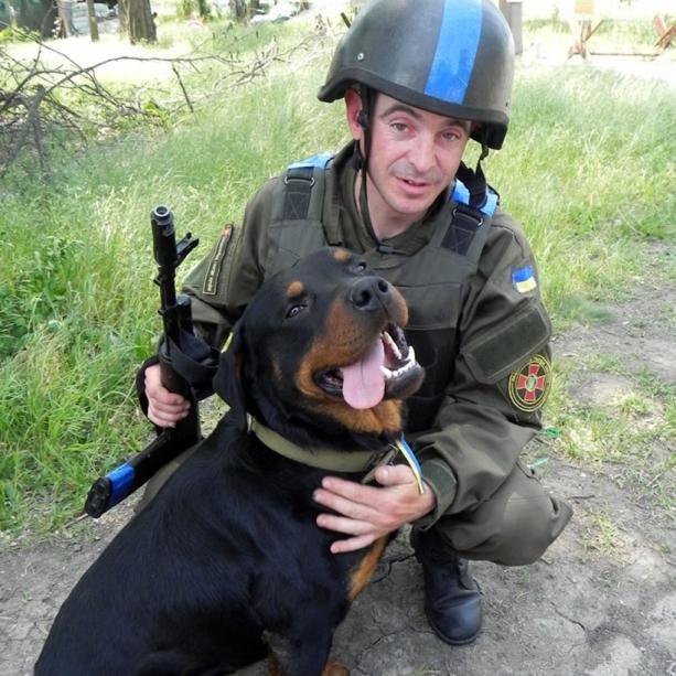 Обличчя Антитерористичної операції: Нацгвардієць та його вірний чотирилапий товариш (ФОТО), фото-2