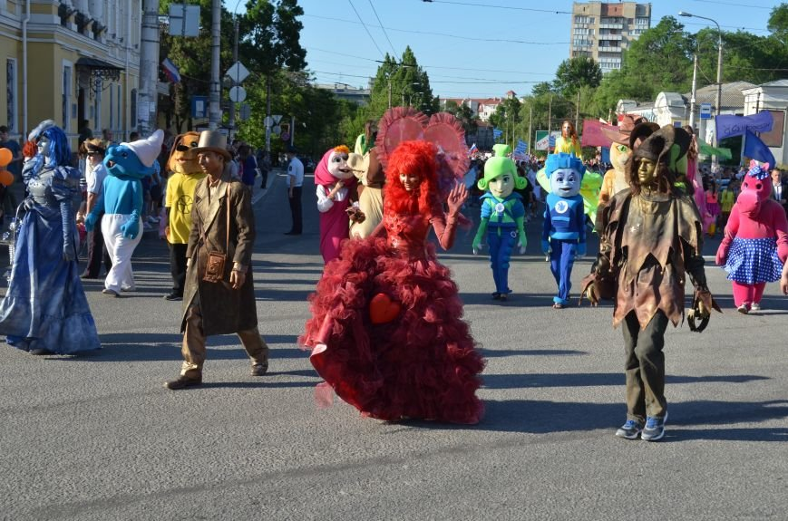 Многотысячным шествием и концертом отпраздновали День города Симферополя (ФОТОРЕПОРТАЖ, ВИДЕО), фото-3