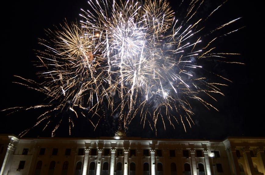 Многотысячным шествием и концертом отпраздновали День города Симферополя (ФОТОРЕПОРТАЖ, ВИДЕО), фото-25