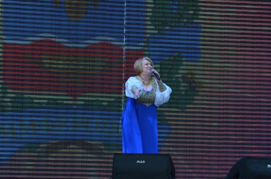 Многотысячным шествием и концертом отпраздновали День города Симферополя (ФОТОРЕПОРТАЖ, ВИДЕО), фото-17