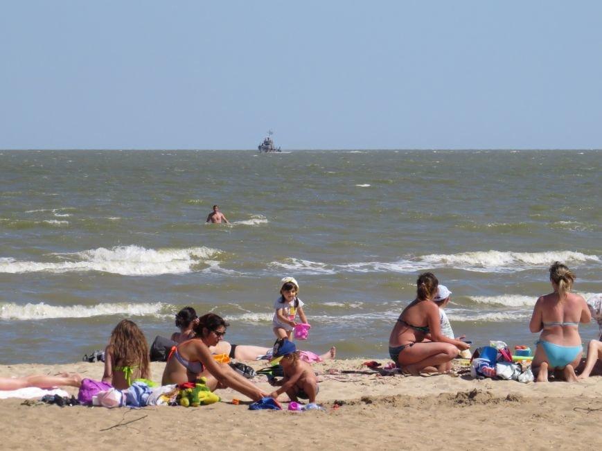 В Мариуполе на Песчаном пляже взорвался пограничный катер. 1 пограничник пропал без вести, 6 в больнице (ДОПОЛНЯЕТСЯ+ФОТО), фото-14