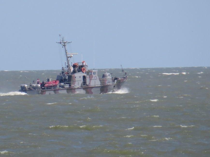 В Мариуполе на Песчаном пляже взорвался пограничный катер. 1 пограничник пропал без вести, 6 в больнице (ДОПОЛНЯЕТСЯ+ФОТО), фото-19