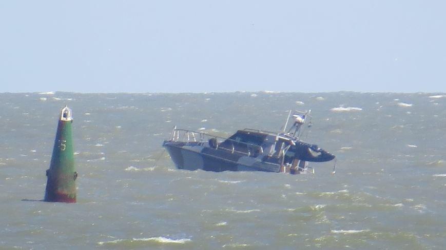 В Мариуполе на Песчаном пляже взорвался пограничный катер. 1 пограничник пропал без вести, 6 в больнице (ДОПОЛНЯЕТСЯ+ФОТО), фото-22