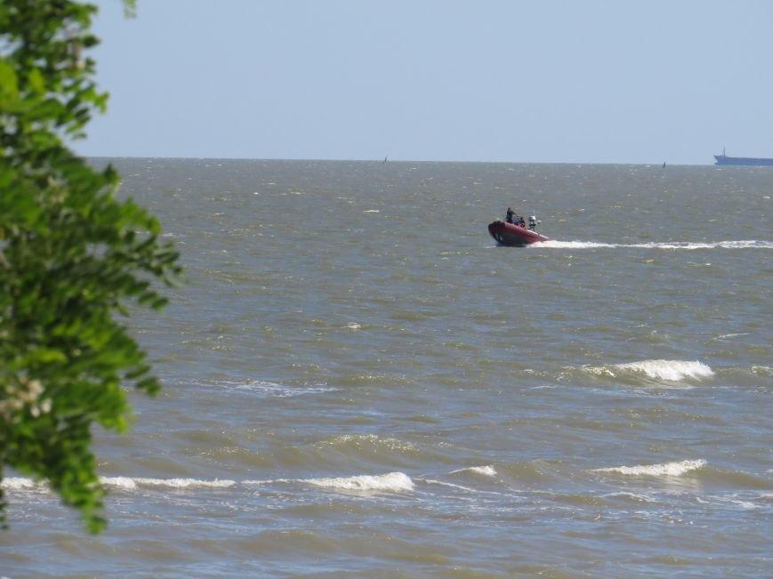 В Мариуполе на Песчаном пляже взорвался пограничный катер. 1 пограничник пропал без вести, 6 в больнице (ДОПОЛНЯЕТСЯ+ФОТО), фото-24