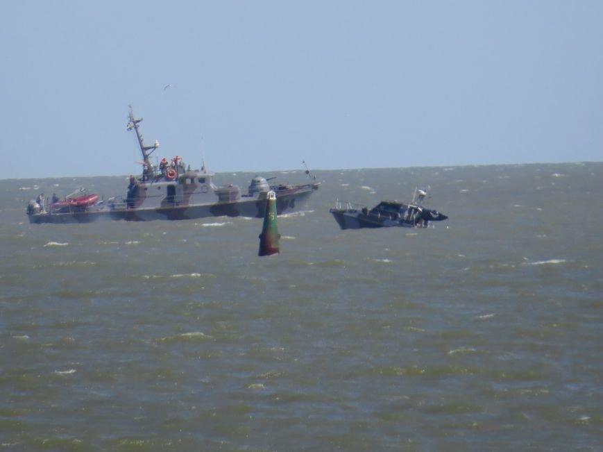 В Мариуполе на Песчаном пляже взорвался пограничный катер. 1 пограничник пропал без вести, 6 в больнице (ДОПОЛНЯЕТСЯ+ФОТО), фото-29