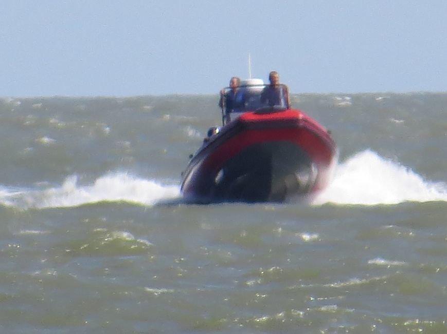 В Мариуполе на Песчаном пляже взорвался пограничный катер. 1 пограничник пропал без вести, 6 в больнице (ДОПОЛНЯЕТСЯ+ФОТО), фото-16