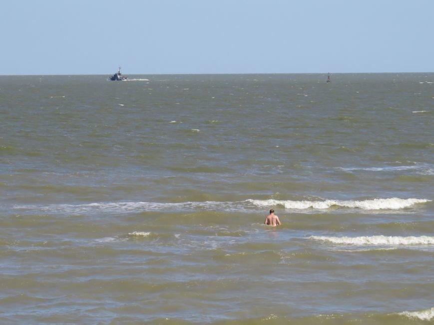 В Мариуполе на Песчаном пляже взорвался пограничный катер. 1 пограничник пропал без вести, 6 в больнице (ДОПОЛНЯЕТСЯ+ФОТО), фото-26
