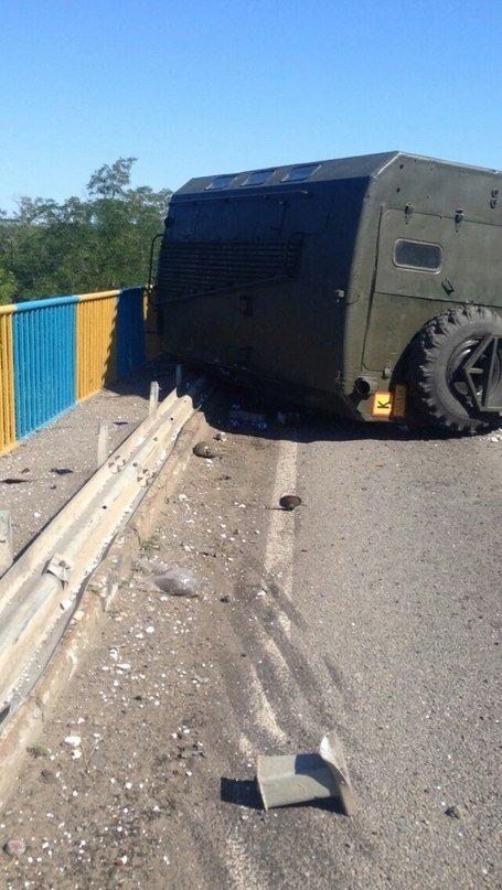 Под Харьковом перевернулся военный грузовик (ФОТО), фото-2