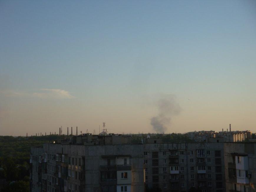 В Донецке ложатся снаряды. Под обстрелом Куйбышевский район, горит заправка в Ленинском районе (фото) - фото 1