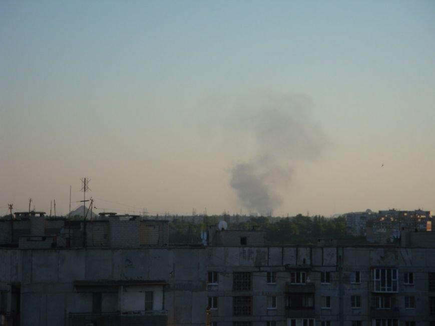 В Донецке ложатся снаряды. Под обстрелом Куйбышевский район, горит заправка в Ленинском районе (фото) - фото 2