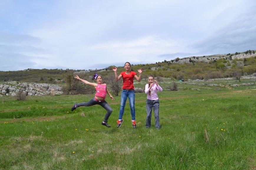 Алупкинские школьники посетили плато  Ай-Петри, чтобы поиграть… в снежки! (фото) - фото 1
