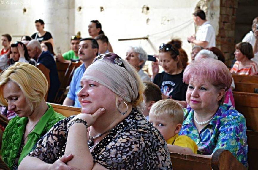 У чернівецькому  костелі Серце Ісуса відбувся благодійний концерт (ФОТО, ВІДЕО) (фото) - фото 1